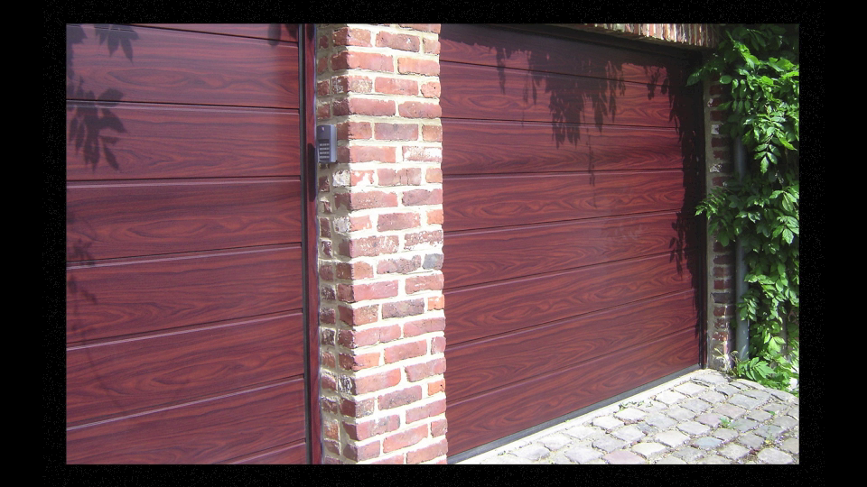 Photos portes de garage paucheu s a ath for Porte de garage enroulable rollmatic